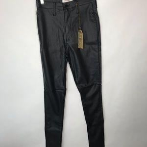 Vibrant Jeans